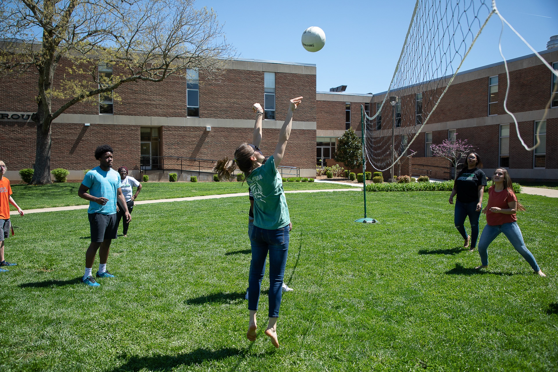 Motlow students play volleyball during spring fling