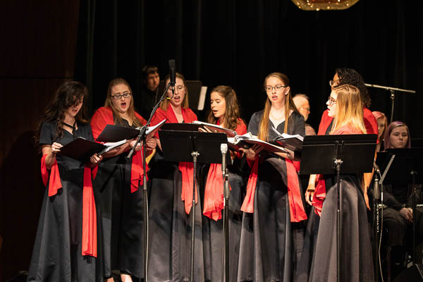 Motlow students sing at holiday concert