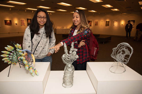 Motlow students exploring art in EH 122