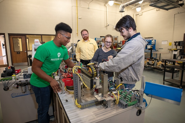 students working in the mechatronics lab