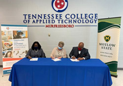 Signing the Articulation Agreement at TCAT – Murfreesboro